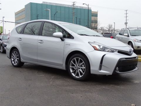 Pre-Owned 2015 Toyota Prius v Five With Navigation